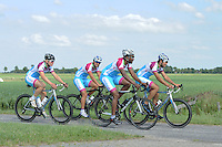 SCHAATSEN: FRYSLAN: 06-07-2015, Shani Davis Beslist.nl, v.l.r. Pim Schipper, Jesper Hospes, Shani Davis, Kai Verbij, ©foto Martin de Jong
