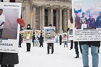Die Seenotrettungsorganisationen Sea-Watch und un Alarm Phone erinnerten am Dienstag den 9. Februar 2021 in Berlin vor dem Deutschen Bundestag an das Schicksal von ueber 90 Menschen, die bei ihrer Flucht ueber das Mittelmeer am 9.2.2020 auf hoher See verschollen sind.<br /> Aktivisten hielten vor dem Reichstagsgebaeude Schilder mit Namen und Gesichtern und dem Schriftzug #SayTheirNames (engl. Nennt ihre Namen).<br /> 9.2.2020, Berlin<br /> Copyright: Christian-Ditsch.de
