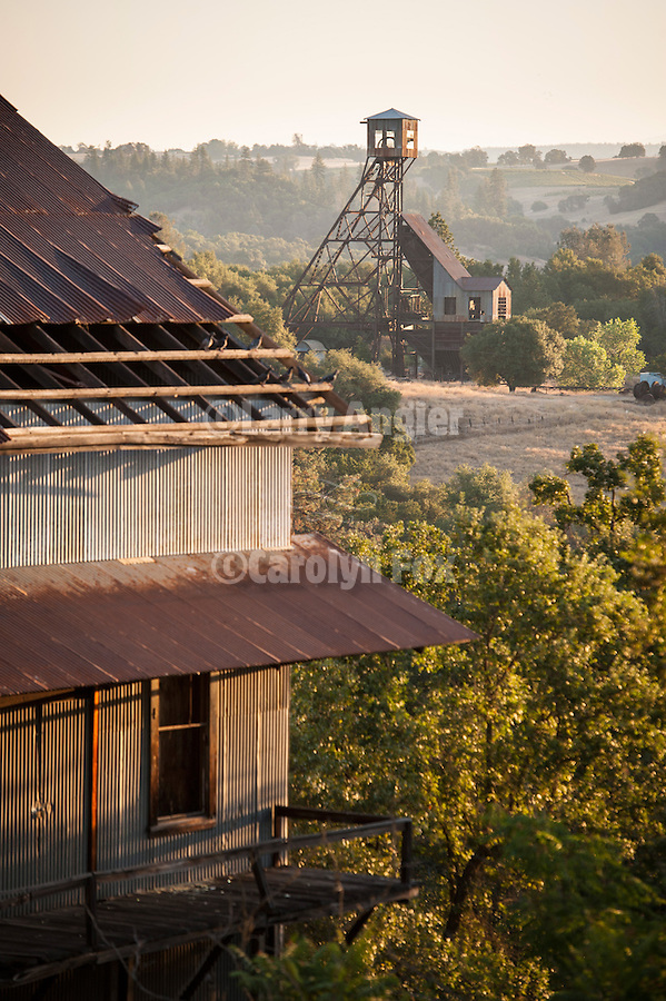 Argonaut Mine hoist house and the Kennedy Mine headframe, Jackson, Calif.