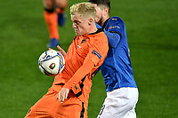 Donny van de Beek of Netherlands and Jorginho Jorge Luis Frello Filho of Italy compete for the ball during the Uefa Nation A League Group 1 football match between Italy and Netherlands at Atleti azzurri d Italia Stadium in Bergamo (Italy), October, 14, 2020. Photo Andrea Staccioli / Insidefoto