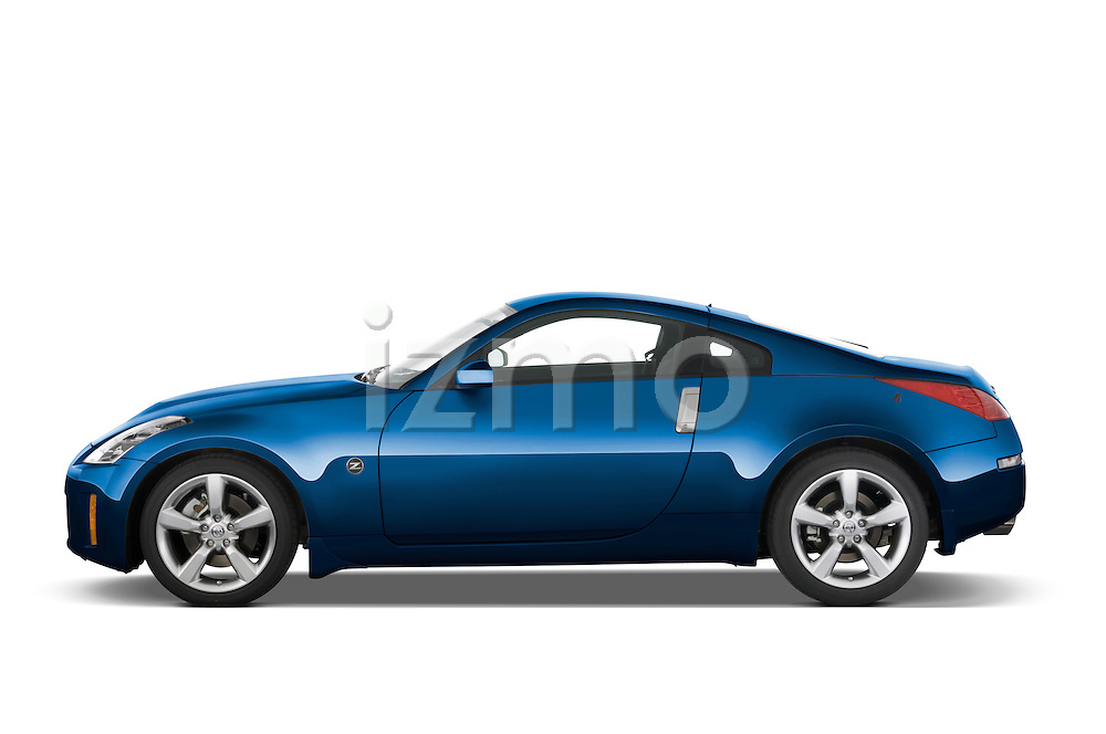 Driver side profile view of a 2008 Nissan 350z Coupe.