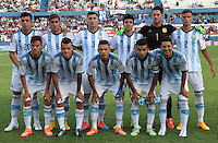 MONTEVIDEO - URUGUAY - 29-01-2015: Los jugadores de Argentina, posan para una foto durante partido del Sudamericano Sub 20 entre los seleccionados de Colombia y Argentina en el estadio Parque Central de la ciudad de Montevideo. / The players of Argentina, pose for a photo during the match for the Sudamericano U 20 between the teams of Colombia and Argentina in the Parque Central stadium in Montevideo city,  Photo: Andres Gomensoro  / Photosport / VizzorImage.