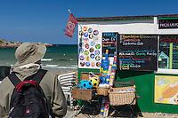 Royaume-Uni, îles Anglo-Normandes, île de Guernesey, Vale: Kiosque de plage à Pembroke bay// United Kingdom, Channel Islands, Guernsey island, Vale: Kiosk beach, Pembroke bay/
