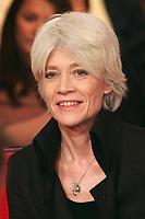 """Françoise HARDY invitée sur le plateau de """"Vivement Dimanche"""" dont l'invité estr Pascal Sevran.<br /> 2005/03/02<br /> Credit : Chartier/Unimedia/DALLE"""