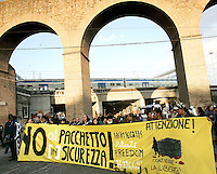 """Manifestazione contro il """"pacchetto sicurezza"""" a Roma, 31 gennaio 2009..Demonstration against the government proposed set of laws on social security, in Rome, 31 january 2009..UPDATE IMAGES PRESS/Riccardo De Luca"""