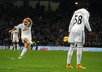 Picture: Andrew Roe/AHPIX LTD, Football, Barclays Premier League, Manchester City v Swansea City, 22/11/14, Etihad Stadium, K.O 3pm<br /> <br /> Swansea's Jonjo Shelvey narrowly misses with his free kick in the dying minutes<br /> <br /> Andrew Roe>>>>>>>07826527594