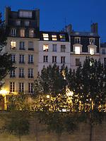 Townhouses on Île de la Cité