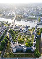 France, Maine-et-Loire (49), Angers, château d'Angers et ses jardins (vue aérienne)
