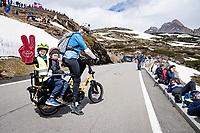 family outing up the Passo San Bernardino (2065m/SUI)<br /> <br /> 104th Giro d'Italia 2021 (2.UWT)<br /> Stage 20 (through Switzerland) from Verbania to Valle Spluga-Alpe Motta (164km)<br /> <br /> ©kramon