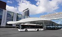 Nederland Den Haag -  maart 2021. Het vernieuwde busstation bij station Den Haag Centraal.     Foto ANP / Hollandse Hoogte /  Berlinda van Dam