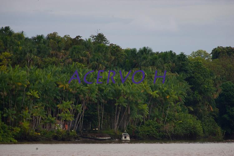 Foz do Amazonas na ilha do Marajó, Cavianas.<br /> Chaves, Pará, Brasil.<br /> Foto Paulo Santos<br /> 2011