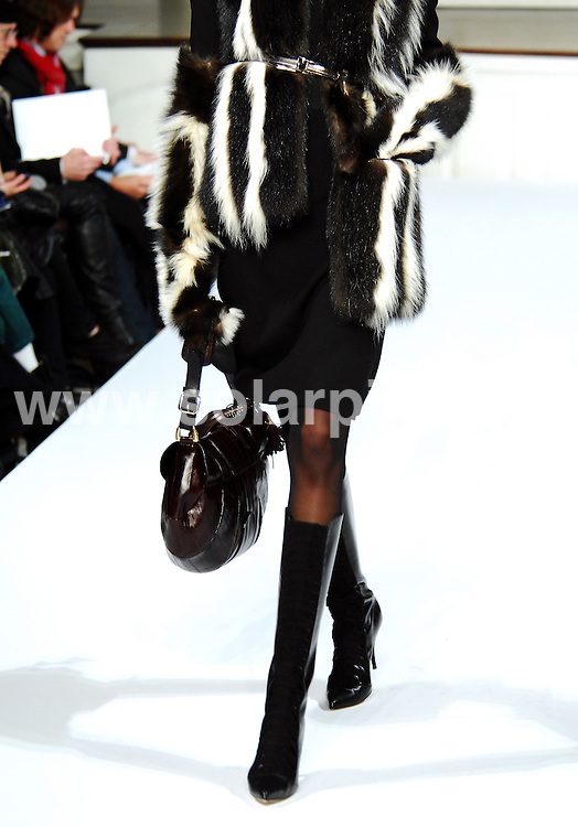 **ALL ROUND PICTURES FROM SOLARPIX.COM**.**SYNDICATION RIGHTS FOR UK, AUSTRALIA, DENMARK, PORTUGAL, S. AFRICA, SPAIN & DUBAI (U.A.E) ONLY**.The Oscar de la Renta catwalk show, part of the Mercedes-Benz Fashion Week Fall 2009. Held at 583 Park Avenue, New York City, NY, USA. 18 February 2009..This pic: Oscar de la Renta catwalk show..JOB REF: 8509 PHZ (Niedek)   DATE: 18_02_2009.**MUST CREDIT SOLARPIX.COM OR DOUBLE FEE WILL BE CHARGED**.**ONLINE USAGE FEE  GBP 50.00 PER PICTURE - NOTIFICATION OF USAGE TO PHOTO @ SOLARPIX.COM**
