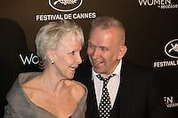 tonie marshall et jean paul gaultier photocall kering durant le soixante neuvieme festival du film de cannes place de la castre au suquet le dimanche 15 mai 2016