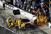 Monster Energy NASCAR Cup Series<br /> Can-Am Duel At Daytona<br /> Daytona International Speedway, Daytona Beach, FL USA<br /> Thursday 15 February 2018<br /> Erik Jones, Joe Gibbs Racing, DEWALT Toyota Camry, pit stop<br /> World Copyright: Michael L. Levitt<br /> LAT Images