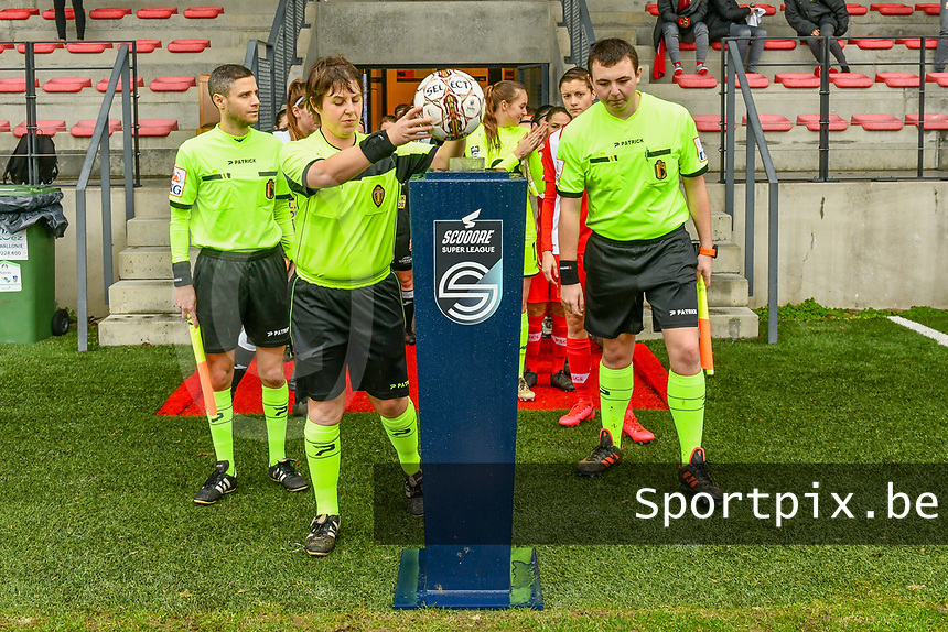 assistant referee Geoffrey Quaranta , referee Sylvie Deckers , assistant referee Romain Delree pictured before a female soccer game between Standard Femina de Liege and Eendracht Aalst on the 12 th matchday of the 2020 - 2021 season of Belgian Scooore Womens Super League , saturday 30 th of January 2021 in Angleur , Belgium . PHOTO SPORTPIX.BE | SPP | STIJN AUDOOREN