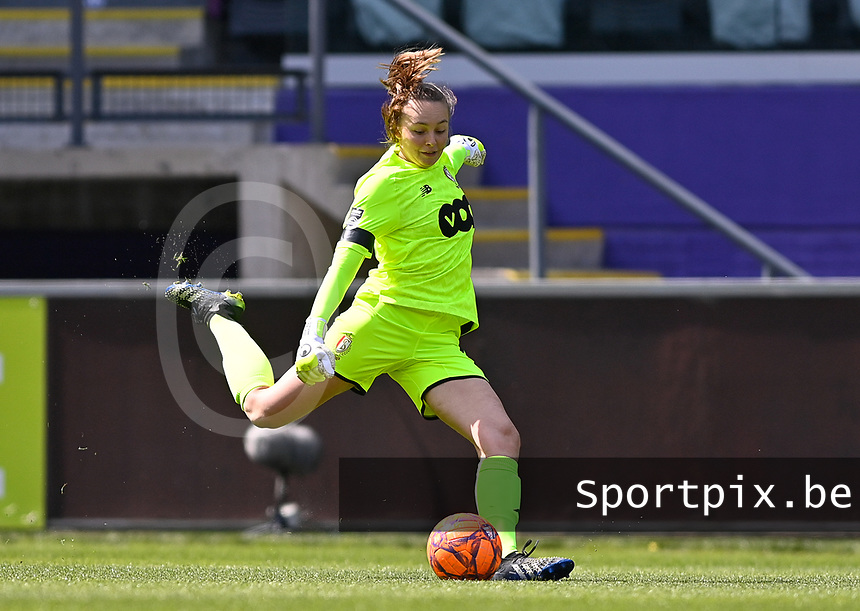 Goalkeeper Lisa Lichtfus (16) of Standard pictured during a female soccer game between RSC Anderlecht Dames and Standard Femina De Liege on the third matchday of play off 1 of the 2020 - 2021 season of Belgian Womens Super League , saturday 24 th of April 2021  in Brussels , Belgium . PHOTO SPORTPIX.BE | SPP | DAVID CATRY