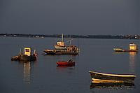 Europe/France/Bretagne/56/Morbihan/Golfe du Morbihan/Pointe du Ruaud: Bateaux ostréïcoles