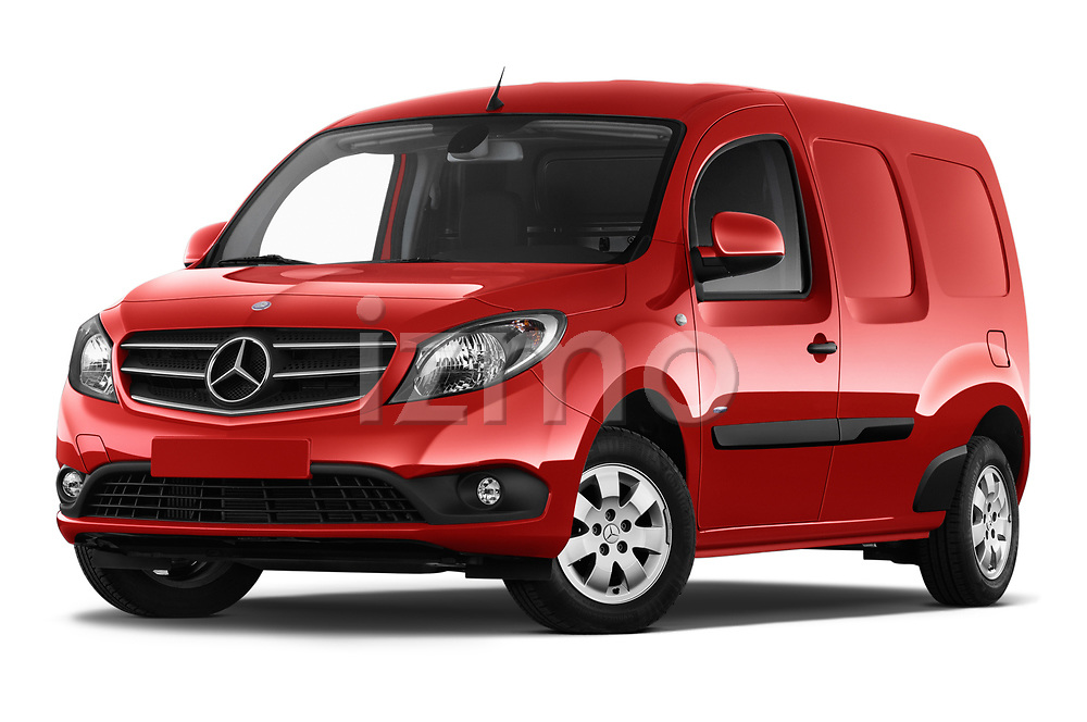 Stock pictures of low aggressive front three quarter view of a 2018 Mercedes Benz Citan Perfect Tool 4 Door Panel Wagon