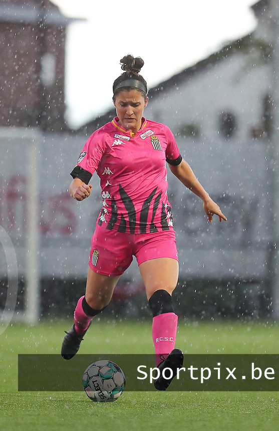 Madison Hudson (8) of Charleroi  pictured during a female soccer game between Sporting Charleroi and White Star Woluwe on the 7 th matchday in play off 2 of the 2020 - 2021 season of Belgian Scooore Womens Super League , friday 14 th of May 2021  in Marcinelle , Belgium . PHOTO SPORTPIX.BE   SPP   Sevil Oktem