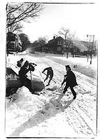 ARCHIVE -<br /> <br /> Hiver a Montreal,<br /> dans les annees 70, date inconnue<br /> <br /> Photo : Agence Quebec Presse  - Alain Renaud