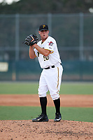Pittsburgh Pirates pitcher Matt Seelinger (50) gets ready to deliver a pitch during an Instructional League game against the New York Yankees on September 28, 2017 at Pirate City in Bradenton, Florida.  (Mike Janes/Four Seam Images)
