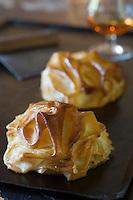 Europe/France/Midi-Pyrénées/32/Gers/Segos: Pastilla aux pommes et poires et à l'Armagnac  recette de  Sébastien  Gonzzer  Domaine de Bassibé Hotel-Restaurant