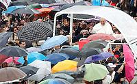 20130505 VATICANO: PAPA FRANCESCO CELEBRA LA MESSA PER LE CONFRATERNITE