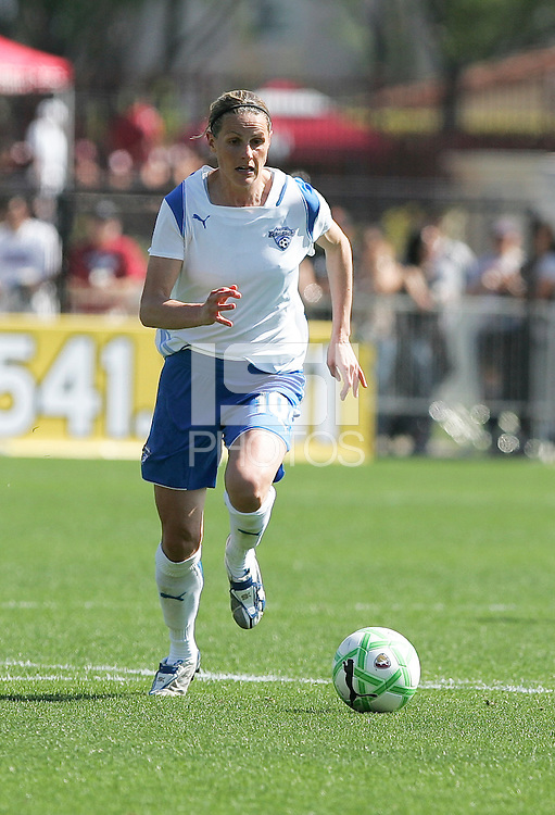Kelly Smith dribbles the ball. FC Gold Pride defeated the Boston Breakers 2-1 at Buck Shaw Stadium in Santa Clara, California on April 5th, 2009. Photo by Kelley Cox /isiphotos.com