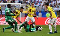SAMARA - RUSIA, 28-06-2018: Cheikhou KOUYATE (Izq) y Sadio MANE (Der) jugador de Senegal disputa el balón con Radamel FALCAO GARCIA (C) jugador de Colombia durante partido de la primera fase, Grupo H, por la Copa Mundial de la FIFA Rusia 2018 jugado en el estadio Samara Arena en Samara, Rusia. / Cheikhou KOUYATE (L) and Sadio MANE (R) player of Senegal fights the ball with Radamel FALCAO GARCIA (C) player of Colombia during match of the first phase, Group H, for the FIFA World Cup Russia 2018 played at Samara Arena stadium in Samara, Russia. Photo: VizzorImage / Julian Medina / Cont