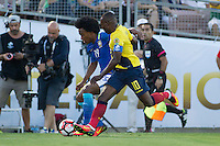 Action photo during the match Brazil vs Ecuador, Corresponding Group -B- America Cup Centenary 2016, at Rose Bowl Stadium<br /> <br /> Foto de accion durante el partido Brasil vs Ecuador, Correspondiante al Grupo -B-  de la Copa America Centenario USA 2016 en el Estadio Rose Bowl, en la foto: (i-d) Willian de Brasil y Walter Ayovi de Ecuador<br /> <br /> <br /> 04/06/2016/MEXSPORT/Victor Posadas.