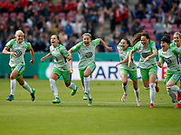 Football, Koeln, Germany , DFB-Pokalfinale wifeen,, <br />VFL Wolfsburg (WOB ) vs. FC Bayern M Muenchen 3-2 n.E.  Rhein-Energie stadium  in Koeln19. 05. 2018<br />LosgestŸrmt ...<br />Pernille HADER (VFL) , Noelle MARITZ (VFL) ,Zsanett JAKABFI (VFL) ,  Joelle  WEDEMEYER (VFL) , Sara Bjšrk GUNNARSDOTTIR (VFL) , Ella MASAR (VFL) and Lena GOESSLING(VFL) v.n.-<br /><br /><br /> *** Local Caption *** © pixathlon<br /> Contact: +49-40-22 63 02 60 , info@pixathlon.de