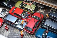 GERMANY Hamburg port , shipment and export of used cars to africa  / DEUTSCHLAND, Hamburger Hafen , Verladung und Export von Gebrauchtfahrzeugen nach Afrika u.a. Cotonou Benin