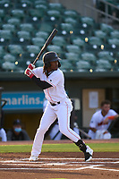 Jupiter Hammerheads Osiris Johnson (3) bats during a game against the Palm Beach Cardinals on May 11, 2021 at Roger Dean Chevrolet Stadium in Jupiter, Florida.  (Mike Janes/Four Seam Images)