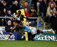 Photo: Richard Lane/Richard Lane Photography. London Wasps v Worcester Warriors. 01/01/2012. Wasps' Christian Wade attacks.