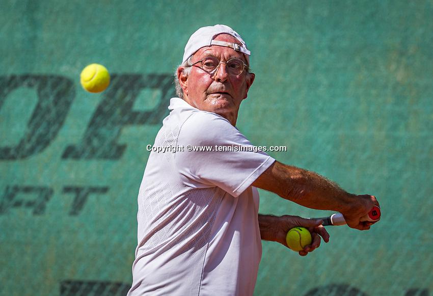 Hilversum, The Netherlands,  August 21, 2020,  Tulip Tennis Center, NKS, National Senior Tennis Championships, Men's single 75+,  Niels Menko (NED)<br /> Photo: Tennisimages/Henk Koster