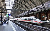 Nederland  Amsterdam 2021.  Het is rustig op Centraal Station. ICE trein. De Intercity-Express, afgekort als ICE, is de snelste trein van spoorwegmaatschappij DB Fernverkehr, onderdeel van Deutsche Bahn AG .   Foto Berlinda van Dam / HH / ANP.