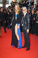 Jean-Paul Gaultier et une invité sur le tapis rouge pour la projection du film MISE A MORT DU CERF SACRE lors du soixante-dixième (70ème) Festival du Film à Cannes, Palais des Festivals et des Congres, Cannes, Sud de la France, lundi 22 mai 2017. Philippe FARJON / VISUAL Press Agency