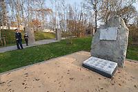"""Auf dem Gelaende des Einsatzfuehrungskommando der Bundeswehr, der Henning-von-Tresckow-Kaserne bei Potsdam, wurde ein Ehrenhain zum Gedenken an die im Einsatz verstorbenen Bundeswehrangehoerigen eingerichtet. In diesem """"Wald der Erinnerunge"""" sind die Gedenkhaine aus den Einsatzgebieten der Bundeswehr errichtet worden. Zum Teil originalgetreu nachgebildet von den Orten in denen die Bundeswehr eingesetzt war und Angehoerige verstorben sind.<br /> Im Bild: Der Ehrenhain Rajlovac/Sarajevo.<br /> 14.11.2014, Potsdam<br /> Copyright: Christian-Ditsch.de<br /> [Inhaltsveraendernde Manipulation des Fotos nur nach ausdruecklicher Genehmigung des Fotografen. Vereinbarungen ueber Abtretung von Persoenlichkeitsrechten/Model Release der abgebildeten Person/Personen liegen nicht vor. NO MODEL RELEASE! Don't publish without copyright Christian-Ditsch.de, Veroeffentlichung nur mit Fotografennennung, sowie gegen Honorar, MwSt. und Beleg. Konto: I N G - D i B a, IBAN DE58500105175400192269, BIC INGDDEFFXXX, Kontakt: post@christian-ditsch.de<br /> Urhebervermerk wird gemaess Paragraph 13 UHG verlangt.]"""