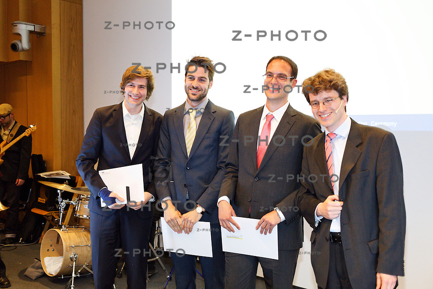 v.l.n.r. Alessandro Fuchs,  ????, Alexandros Andronikakis, Dr. Volker Hoffmann<br /> - Graduation Ceremony Department of Management, Technology, and Economics an der ETH in Zuerich<br /> <br /> Copyright © Zvonimir Pisonic