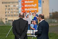 CDU-Berlin stellt Plakate zum Volksbegehren Tempelhofer Feld vor.<br />Am Donnerstag den 3. April 2014 stellte die Berliner CDU auf der Freiflaeche des ehemaligen Flughafen Tempelhof ihre Plakate zum Volksbegehren Tempelhofer Feld vor. Sie fordert einen Gesetzentwurf, der eine Bebauung um eine 230ha grosse Freiflaeche vorsieht.<br />Die Buergerinitiative 100% Tempelhof hatte hatte mit Unterschriftensammlungen das Volksbegehren erwirkt. Es wird am 25. Mai 2014 parralell zur Europawahl stattfinden.<br />Rechts im Bild: Kai Wegner, Generalsekretaer der CDU-Berlin.<br />3.4.2014, Berlin<br />Copyright: Christian-Ditsch.de<br />[Inhaltsveraendernde Manipulation des Fotos nur nach ausdruecklicher Genehmigung des Fotografen. Vereinbarungen ueber Abtretung von Persoenlichkeitsrechten/Model Release der abgebildeten Person/Personen liegen nicht vor. NO MODEL RELEASE! Don't publish without copyright Christian-Ditsch.de, Veroeffentlichung nur mit Fotografennennung, sowie gegen Honorar, MwSt. und Beleg. Konto:, I N G - D i B a, IBAN DE58500105175400192269, BIC INGDDEFFXXX, Kontakt: post@christian-ditsch.de]