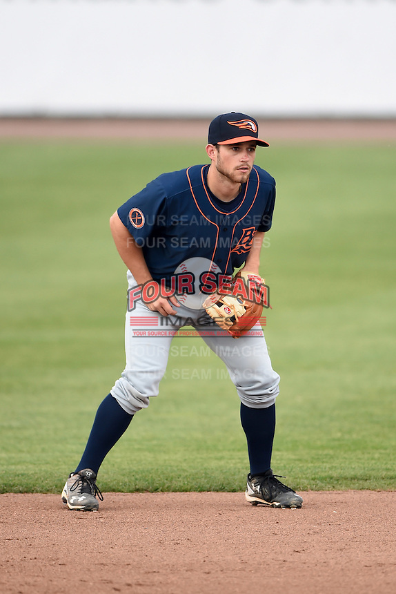 Bowing Green Hot Rods second baseman Brandon Lowe (5) during a game against the Burlington Bees on May 7, 2016 at Community Field in Burlington, Iowa.  Bowling Green defeated Burlington 11-1.  (Mike Janes/Four Seam Images)