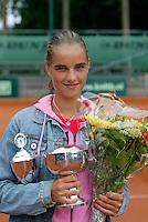 13-8-06,Den Haag, Tennis Nationale Jeugdkampioenschappen, winnaar meisjes 16 jaar, Arantxa Rus