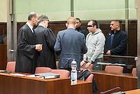 """Am Donnerstag den 7. April 2016 begann vor dem 1. Strafsenat des Berliner Kammergerichts die Hauptverhandlung gegen den 30-jaehrigen Gadzhimurad K. wegen des Verdachts der Werbung fuer die Terrororganisation """"Islamischer Staat"""" (IS). Dem Angeklagten wird ferner die Billigung von Straftaten durch den IS vorgeworfen.<br /> Der Angeklagte, ein Berliner Imam, soll im November 2014 im Internet ein von ihm selbst erstelltes Video mit dem Titel """"Haerte im Jihad"""" veroeffentlicht haben, in dem er der Terrororganisation IS huldige und in Form einer Predigt für die Teilnahme am bewaffneten Kampf des IS werbe. Weiter soll er im Mai 2015 in einem Interview die Toetung eines gefangenen jordanischen Piloten und eines in Syrien entfuehrten US-amerikanischen Journalisten durch den IS religioes gerechtfertigt und gebilligt haben.<br /> Gadzhimurad K. soll eine enge Kontaktperson der Mitglieder eines Berliner Moscheevereins, Ismet D. und Emin F., sein, gegen die bereits seit dem 8. Januar 2016 vor dem Kammergericht wegen des Verdachts der Unterstuetzung einer auslaendischen terroristischen Vereinigung verhandelt wird.<br /> Im Bild vlnr: Die Verteidiger von G. RA Kaya und RA Radtke, der Dolmetscher und der Angeklagte.<br /> 7.4.2016, Berlin<br /> Copyright: Christian-Ditsch.de<br /> [Inhaltsveraendernde Manipulation des Fotos nur nach ausdruecklicher Genehmigung des Fotografen. Vereinbarungen ueber Abtretung von Persoenlichkeitsrechten/Model Release der abgebildeten Person/Personen liegen nicht vor. NO MODEL RELEASE! Nur fuer Redaktionelle Zwecke. Don't publish without copyright Christian-Ditsch.de, Veroeffentlichung nur mit Fotografennennung, sowie gegen Honorar, MwSt. und Beleg. Konto: I N G - D i B a, IBAN DE58500105175400192269, BIC INGDDEFFXXX, Kontakt: post@christian-ditsch.de<br /> Bei der Bearbeitung der Dateiinformationen darf die Urheberkennzeichnung in den EXIF- und  IPTC-Daten nicht entfernt werden, diese sind in digitalen Medien nach §95c UrhG rechtlich geschuetzt. Der Ur"""