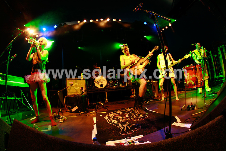 **ALL ROUND PICTURES FROM SOLARPIX.COM**.*WORLDWIDE RIGHTS*.The Rumble Strips perform at Bestival, Isle of Wight, UK. Saturday 8th August 2007...This pic: The Rumble Strips..JOB REF: 4668 GMT   DATE: 08_09_2007. .**MUST CREDIT SOLARPIX.COM OR DOUBLE FEE WILL BE CHARGED* *UNDER NO CIRCUMSTANCES IS THIS IMAGE TO BE REPRODUCED FOR ANY ONLINE EDITION WITHOUT PRIOR PERMISSION*