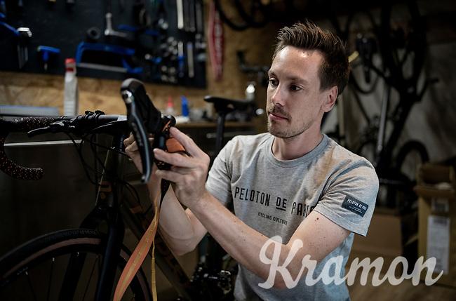 Belgian top custom bike mechanic Vince Van Parijs of Peloton de Paris (Mechelen) assembles a custom Ridley Kanzo gravel bike<br /> <br /> ©kramon