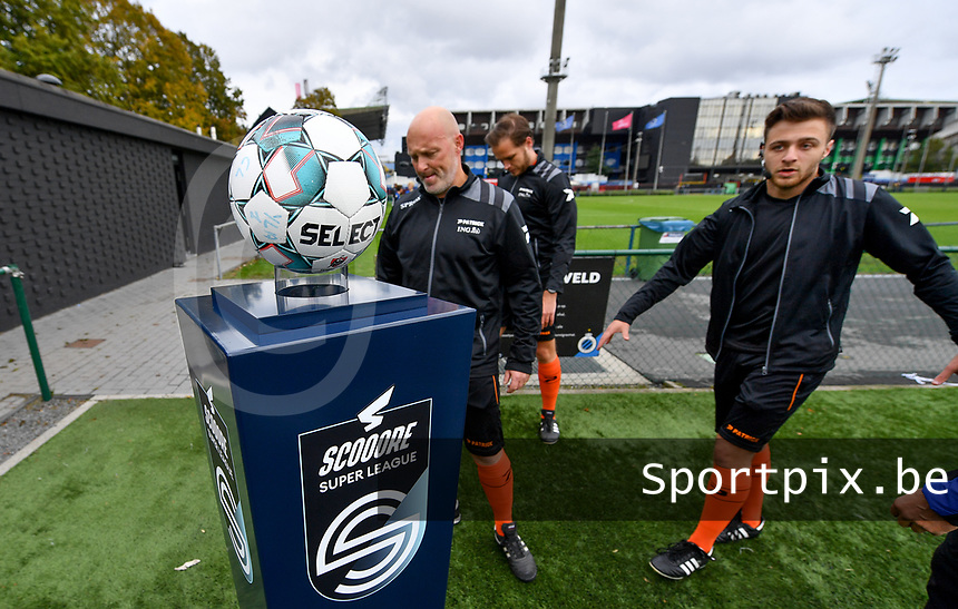 illustration picture showing the Scooore Super Leagueball holder before a female soccer game between Club Brugge Dames YLA and Zulte Waregem Ladies on the third matchday of the 2020 - 2021 season of Belgian Scooore Womens Super League , saturday 3 October 2020  in Brugge , Belgium . PHOTO SPORTPIX.BE | SPP | DAVID CATRY