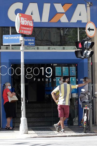 Campinas (SP), 03/09/2021 - Caixa - <br /> Movimentação no banco Caixa, nesta sexta-feira (3), na Rua Conceição, no centro de Campinas, SP.