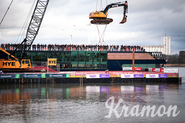 the much talked about river Ponton on the Antwerp Schelde river flanked by a VIP Ship. <br /> <br /> Elite Men's Race <br /> Belgian National CX Championships<br /> Antwerp 2020