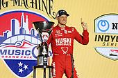 #8: Marcus Ericsson, Chip Ganassi Racing Honda   winner podium