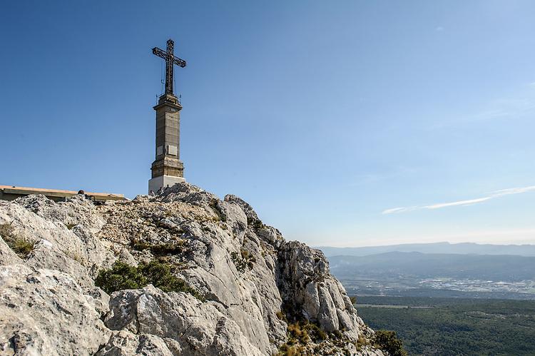 Croix de Provence, au sommet de la Montagne Sainte-Victoire